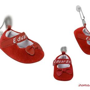Lembrancinha de bebê personalizada - Sapatinho vermelho de menina